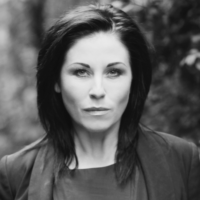 JESSIE WALLACE to star in UK Tour DEATHTRAP