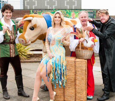 Robin Askwith plays the role of FRESHCREEP in Southend's panto